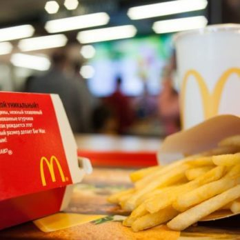 The-5-Healthiest-Things-to-Order-at-McDonald's,-According-to-Nutritionists_643079686_8th.creator-ft