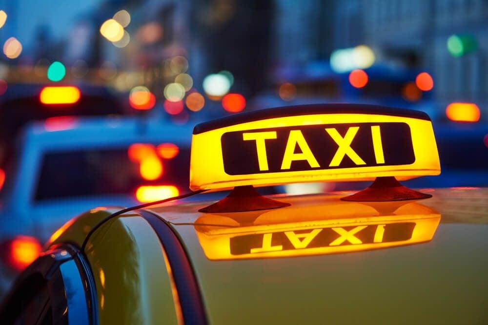 9 Airport Taxi Driver Secrets