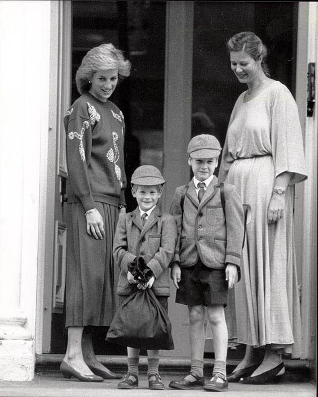 Rarely-Seen-Photos-of-Royals-First-Days-of-School