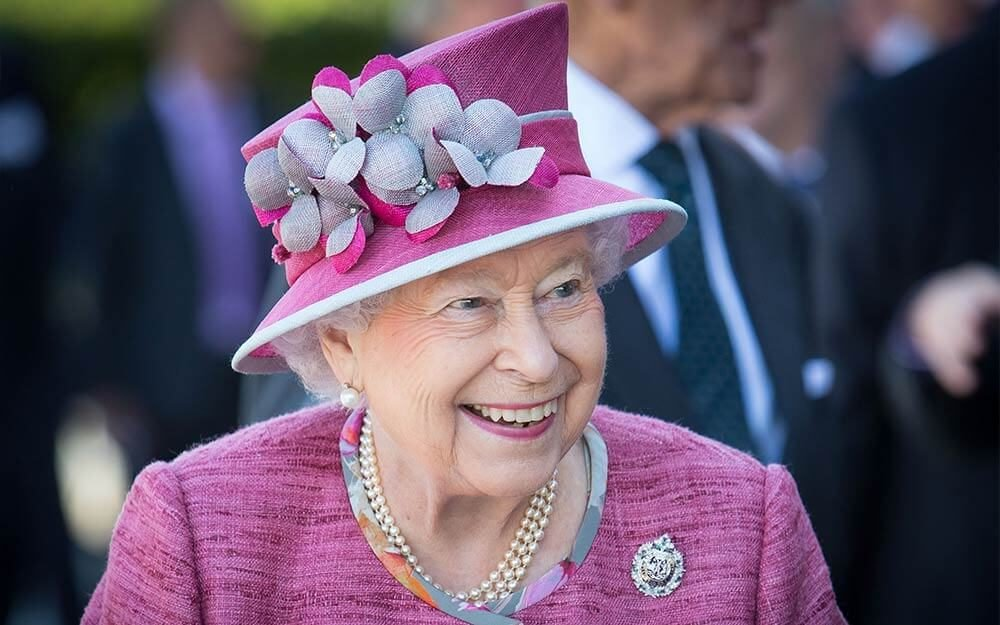 queen-elizabeth-has-won-more-than-9-million-on-this-sport-EDITORIAL-8897207m-Ross-McDairmant-Photography-REX-Shutterstock-ft
