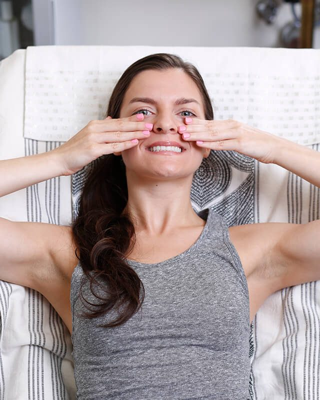Facial Exercises That Will Make You Look Younger | Reader's Digest