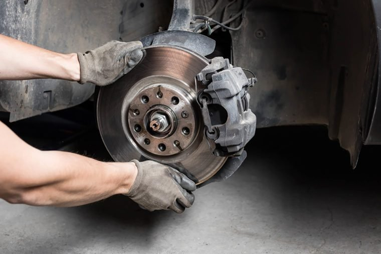Cheap Brake Jobs >> 13 Things Your Car Mechanic Won T Tell You Reader S Digest