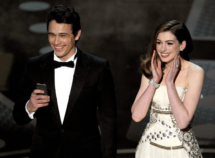 anne hathaway james franco oscars hosts