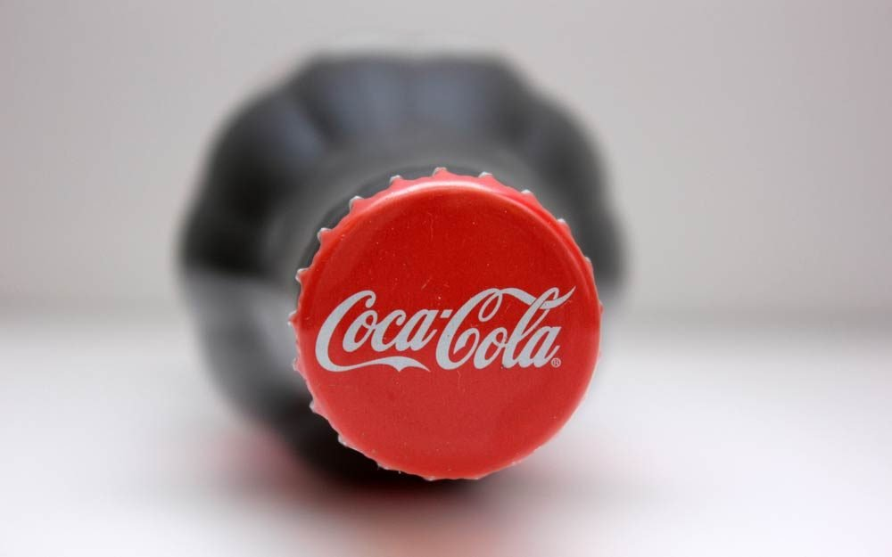 The Real Reason The Coca Cola Logo Is Red Readers Digest