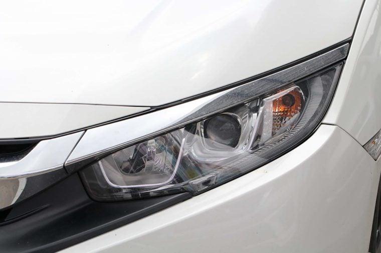 Car's headlight design