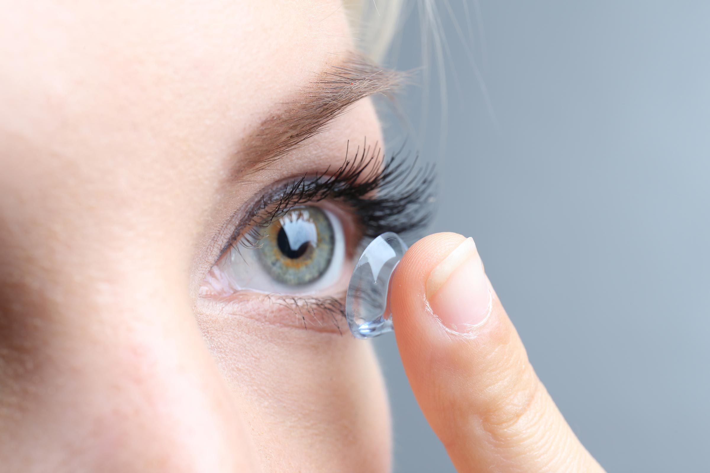 contacts eye woman
