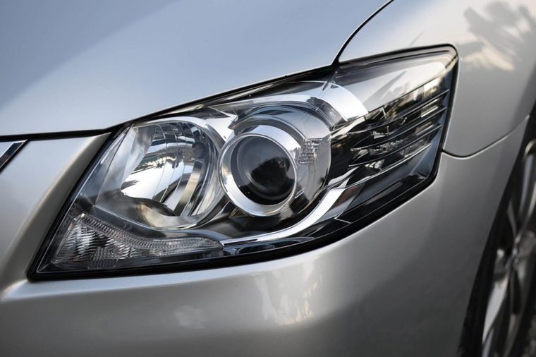 Car headlight with shallow depth of field