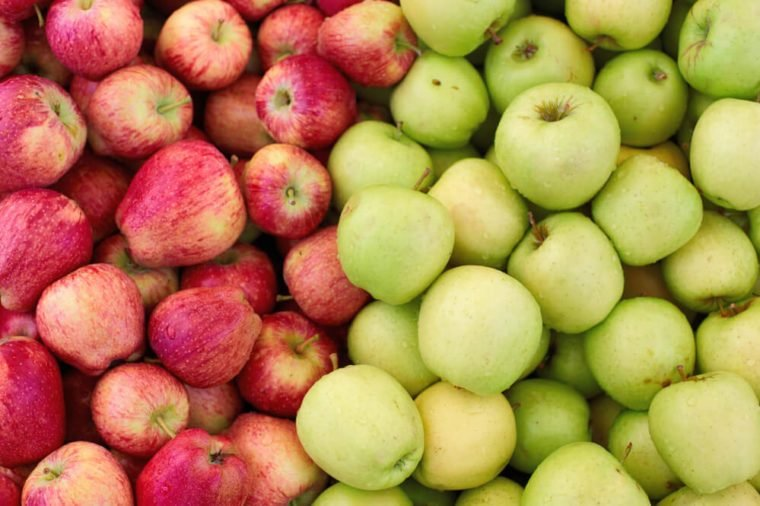 fresh apples in market