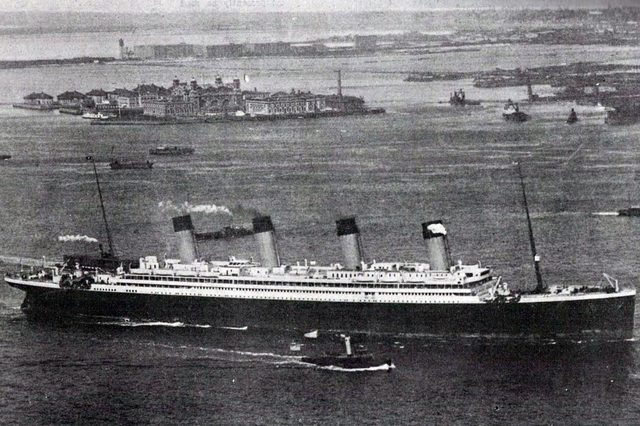 Photograph of the RMS Olympic, sister ship to the Titanic, arriving in New York after her maiden voyage. Dated 1911 (Photo by: Universal History Archive/UIG via Getty images).