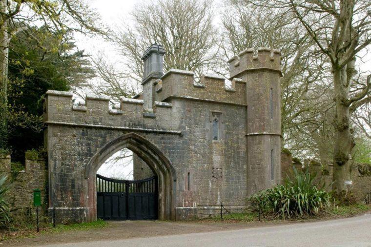 Annes Grove Miniature Castle