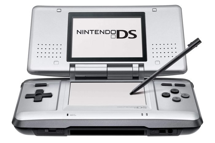 Nintendo DS hand held games console