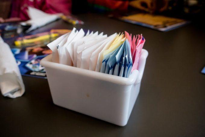 sugar packets in restaurant