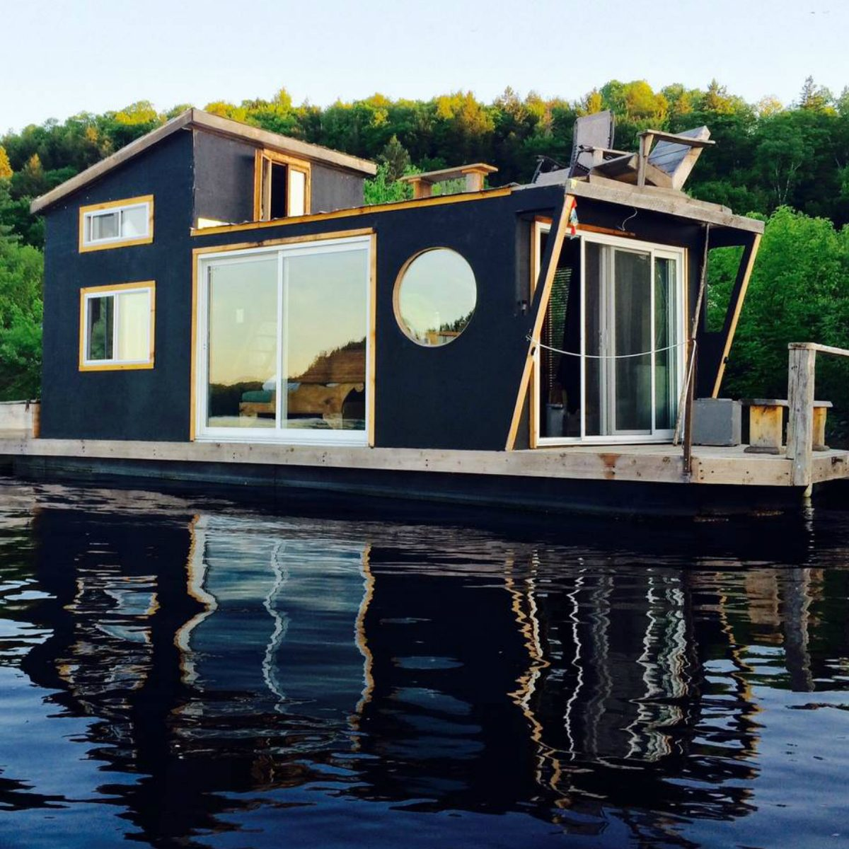 Airbnb Houseboats Like Tiny Floating Houses Readers Digest