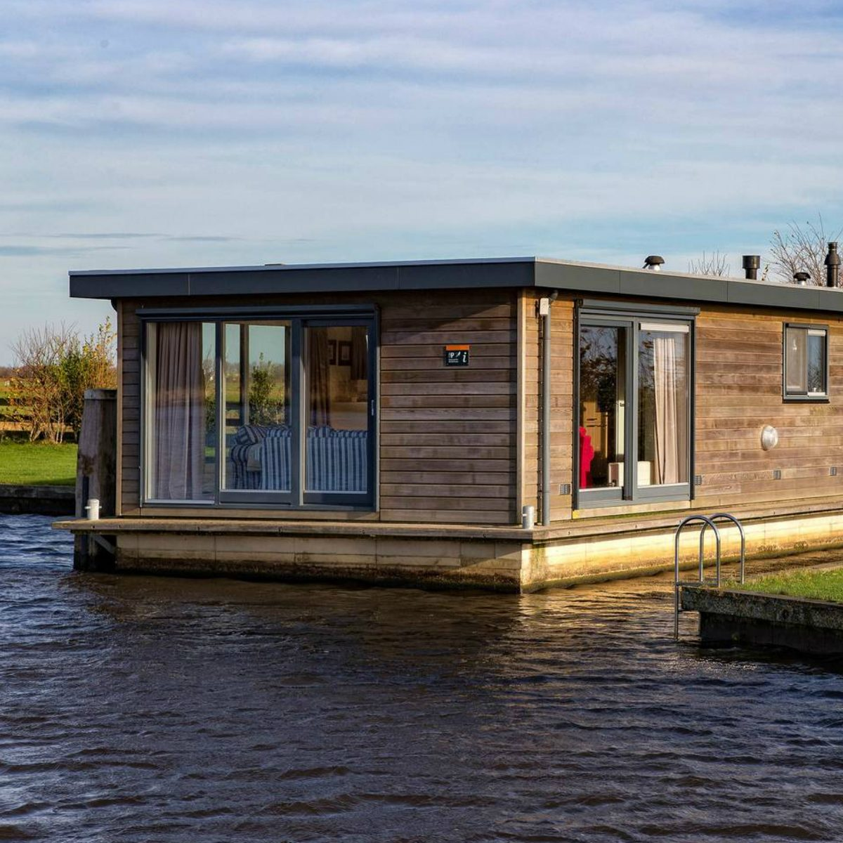 tiny house boat