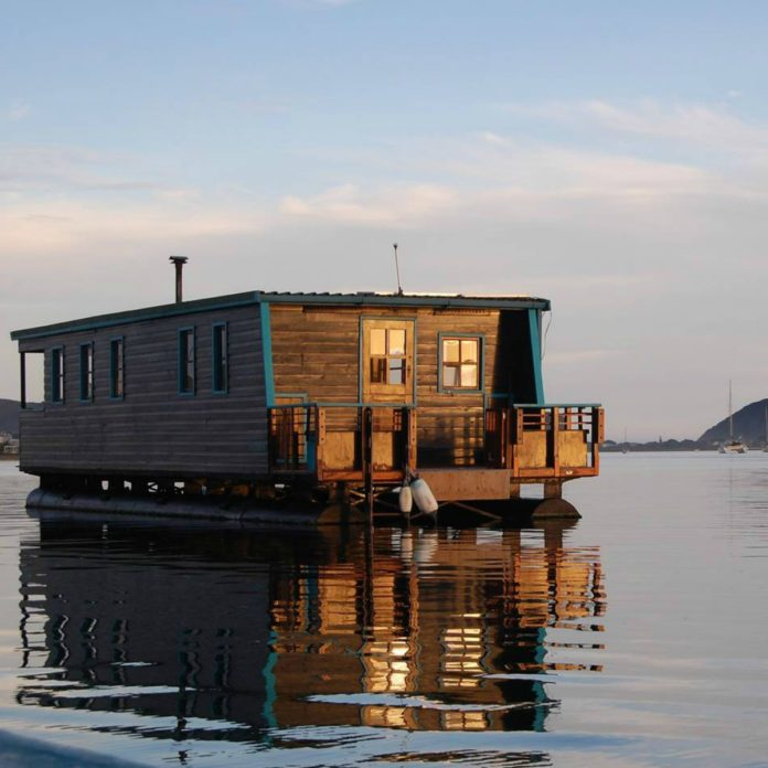 These 50 Airbnb Houseboats Are Like Living in a Floating Tiny House