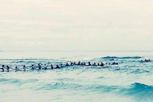 A Family Almost Drowned—Until Beachgoers Formed a Human Chain to Save Their Lives
