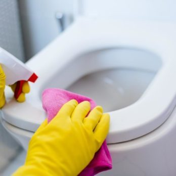 7 Ways You're Probably Cleaning Your Bathroom Wrong