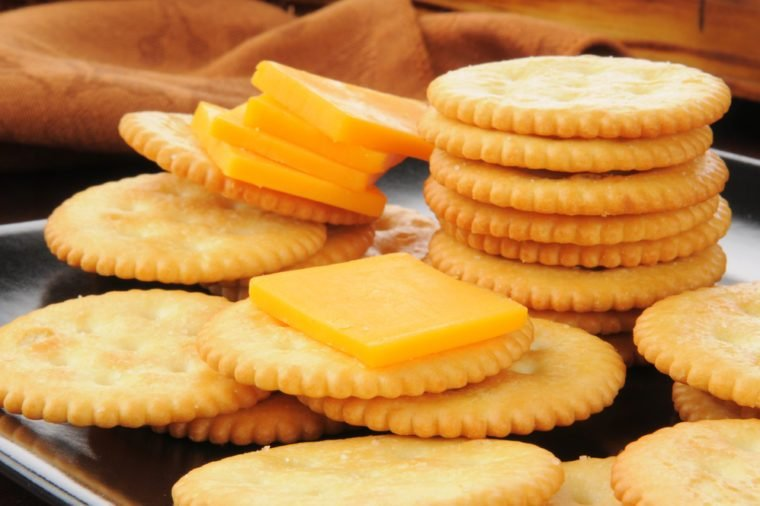 cheese and crackers_foods to never buy