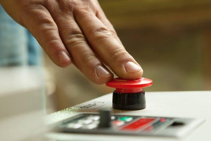 pushing button_placebo button
