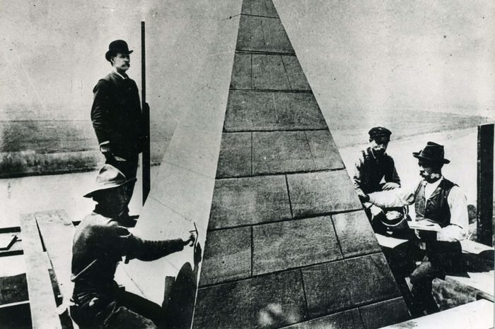 Setting the Top of the Washington Monument