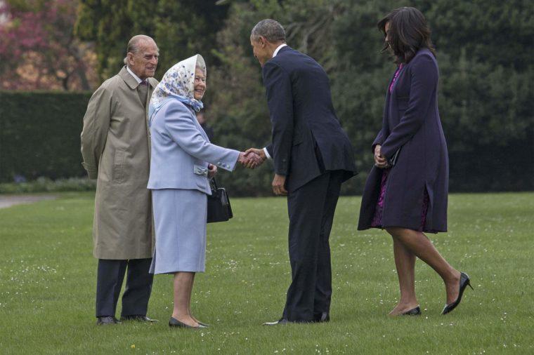 queen elizabeth greets president obama