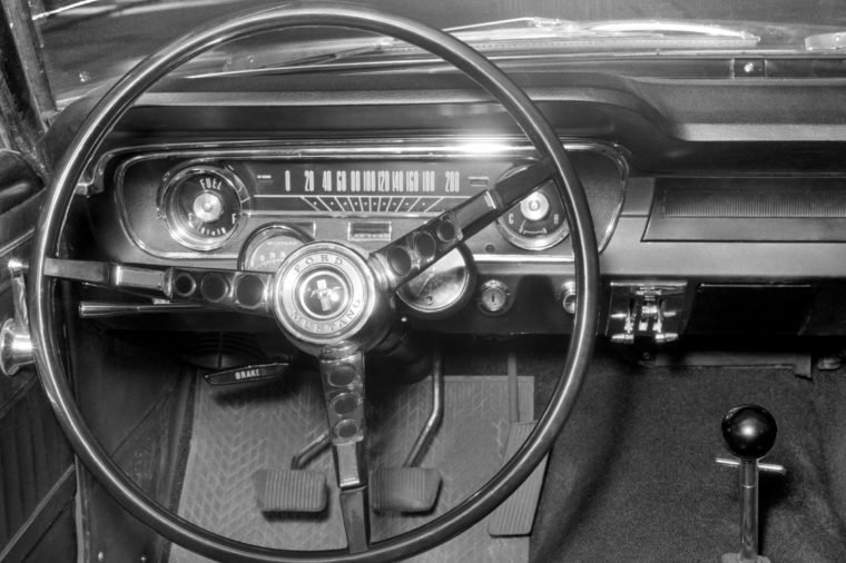 Dashboard and the steering wheel of Ford Mustang