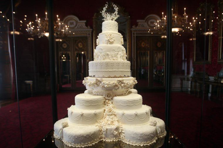 royal wedding cake 2018 flavor here s when meghan markle and prince harry protocol 19411
