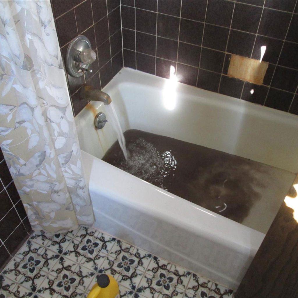 4-Black-Tub-Water