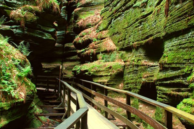 Witches Gulch is a beautiful slot canyon in the Wisconsin Dells