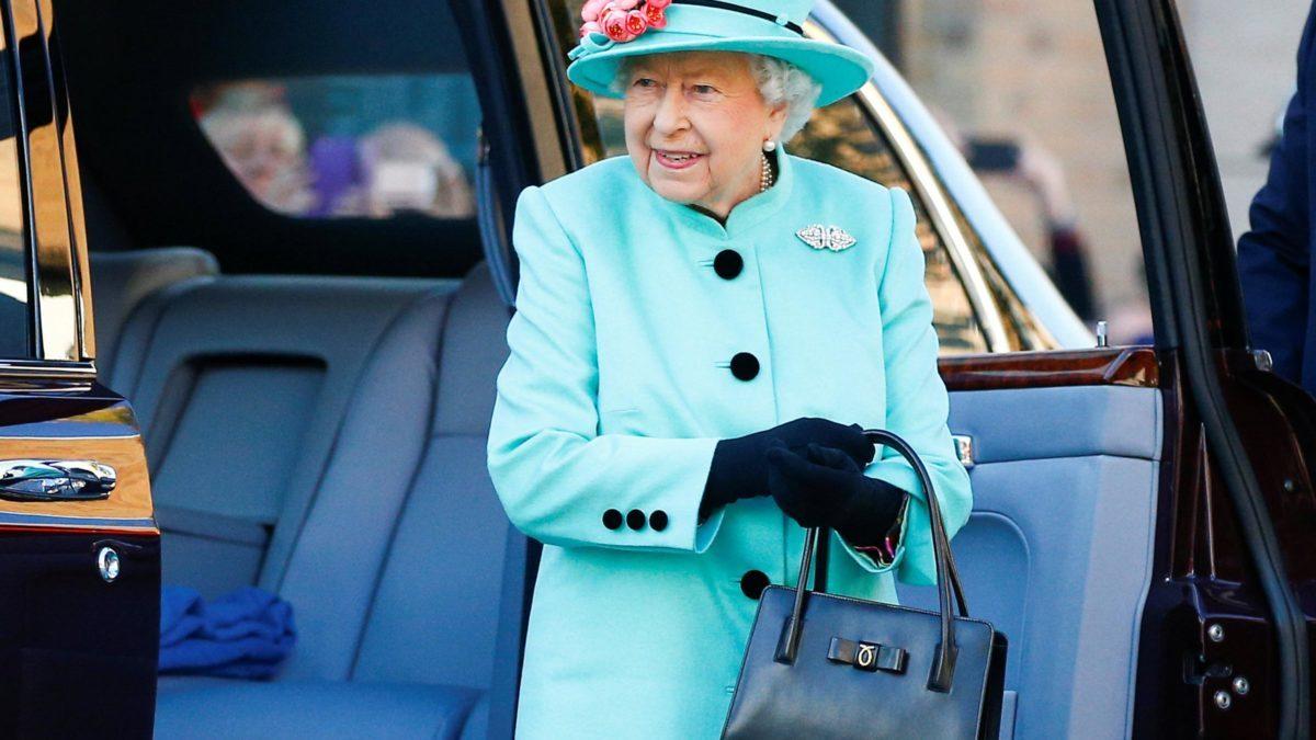 aa7760da1b9a6c The Secret Behind Queen Elizabeth's Purse   Reader's Digest