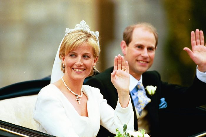Royal Wedding Of Sophie Rhys-jones And Prince Edward Showing General Crowd Scenes And The Royal Couple ... Also Couple Who Married On Same Day... Un Id'dnews...20/6/99*scanned By Photo-cd* Photographer:mark Large/ Daily Mail- Dept: News- Caption: Various Pics From