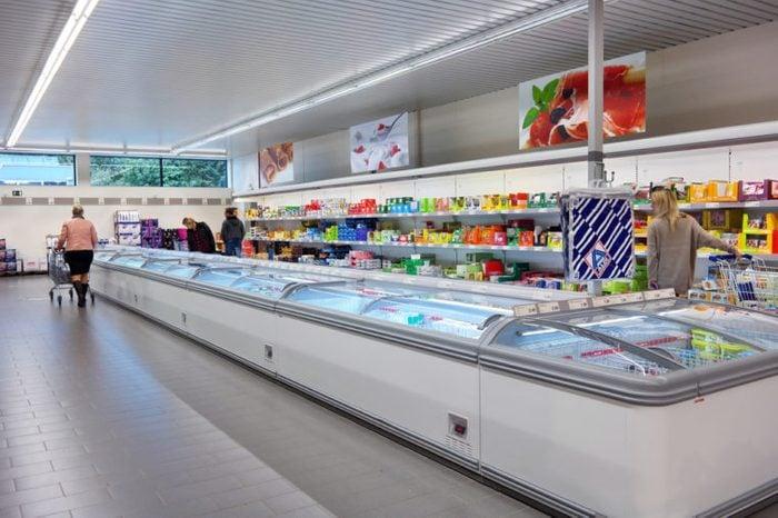 05-aldi-groceries-cheaper-wal-mart-shutterstock_457036903-300x300Slide5