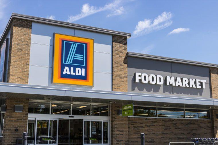 06-aldi-groceries-cheaper-wal-mart-shutterstock_656809804-300x300Slide6