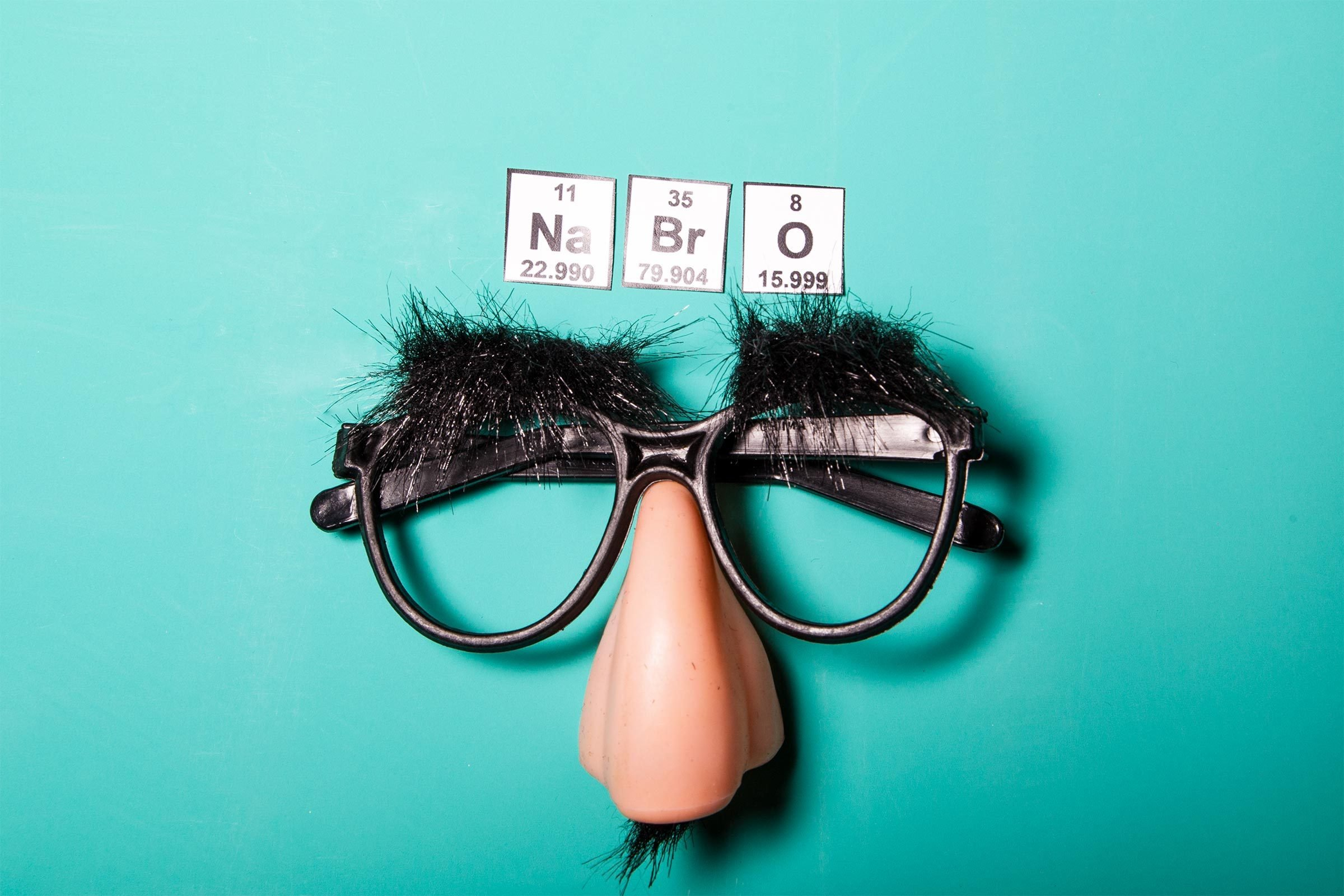 Hilarious Chemistry Jokes That Will Crack You Up | Reader's Digest