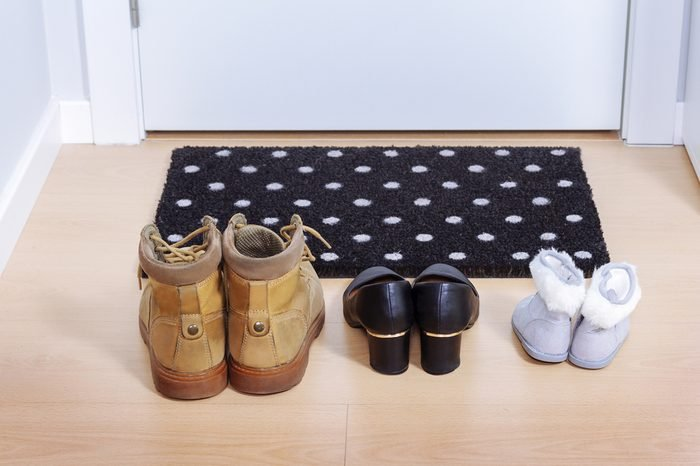Welcome home doormat with shoes