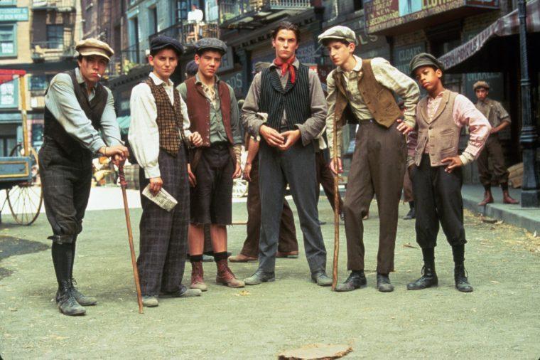 FILM STILLS OF 'NEWSIES' WITH 1992, CHRISTIAN BALE, MARTY BELAFSKY, MAX CASELLA, ENSEMBLE, AARON LOHR, ARVIE LOWE JR, DOMINIC LUCERO, KENNY ORTEGA IN 1992