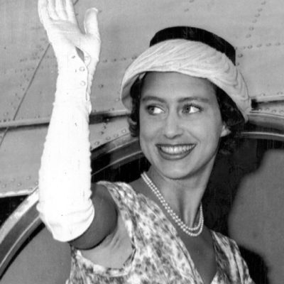 Princess Margaret October 1956. Tour Of Africa - Kenya Princess Mararet Waves Goodbye As She Leaves Entebbe Uganda By Air Last Night At The End Of Her East African Tour. The Queen And Queen Elizabeth The Queen Mother Will Drive To London Airport At 4 P.m. Today To Welcome Her Home. Princess Margaret Begins A New Round Of Public Engagements Next Weeks. On November 6 She Accompanies The Queen To The Opening Of Parliament. Lp3d Princess Margaret 1956 Tour Of Africa - Kenya October 1956 ...royalty