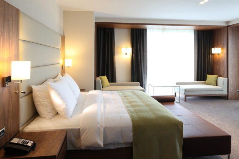 Capítulo 8 - Página 5 Hotel-room-760x506