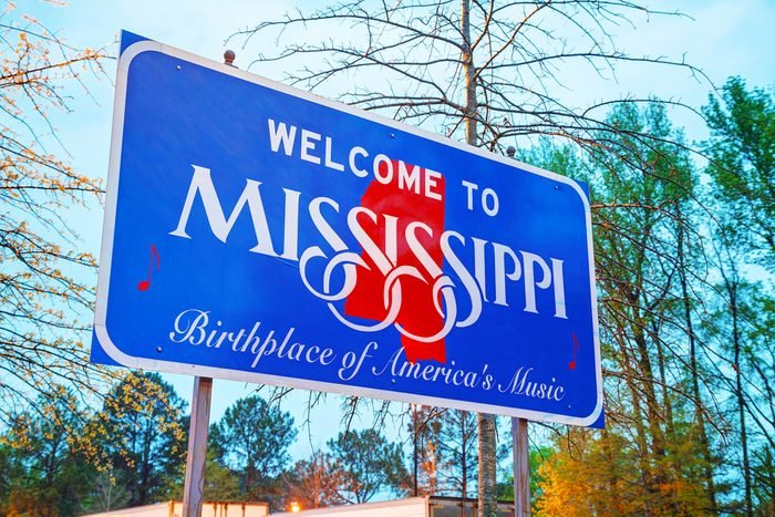 Welcome to Mississippi sign at the state border