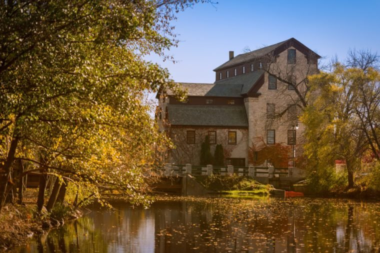The old mill in Cedarburg Wisconsin is not a working mill any longer but still hosts a series of activities and shops.
