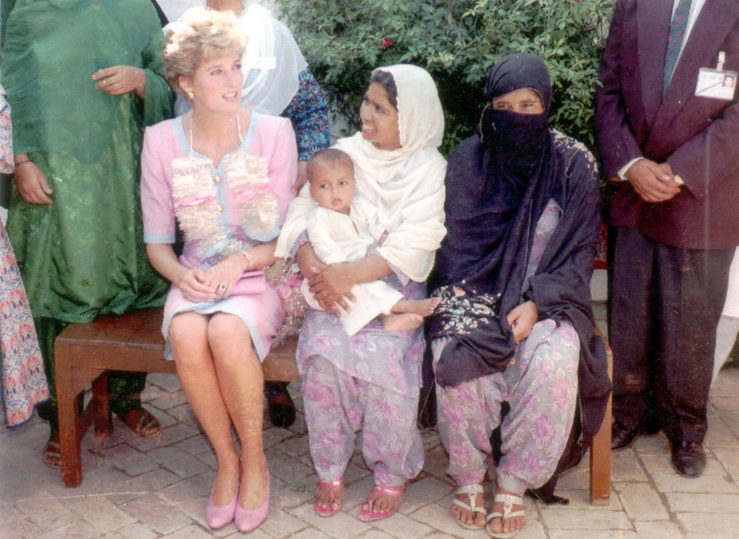 Diana Princess Of Wales Visit To Pakistan September 1991