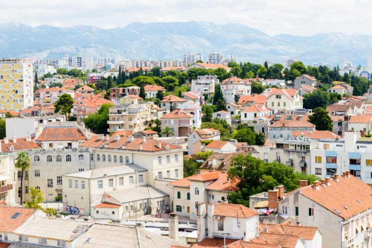 SPLIT, CROATIA - 22 tháng 8 năm 2014: Nhìn từ trên không của Kiến trúc Split, Croatia. Split là thành phố lớn nhất của vùng Dalmatia và là một điểm đến du lịch nổi tiếng