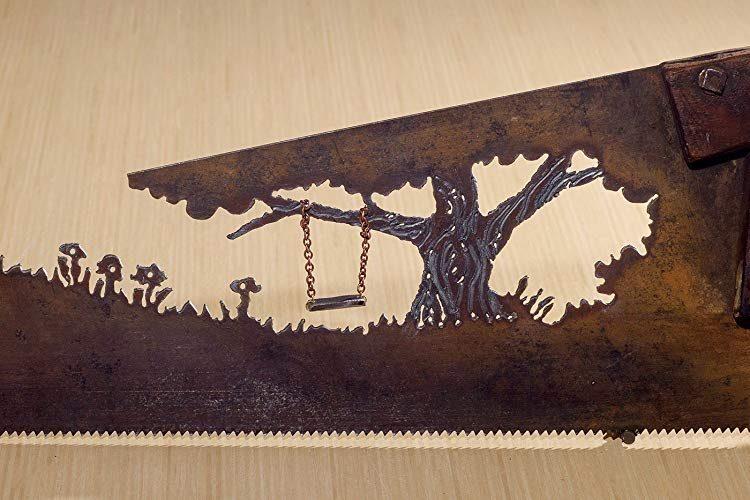 Custom wall art made of repurposed handsaw