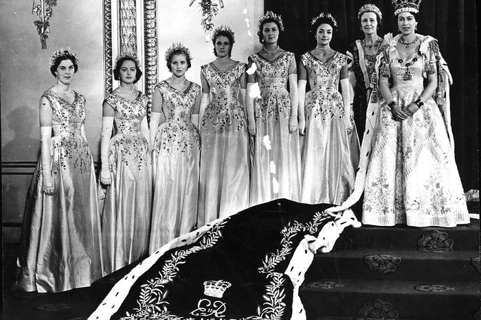 QUEEN ELIZABETH II WITH HER ATTENDANTS