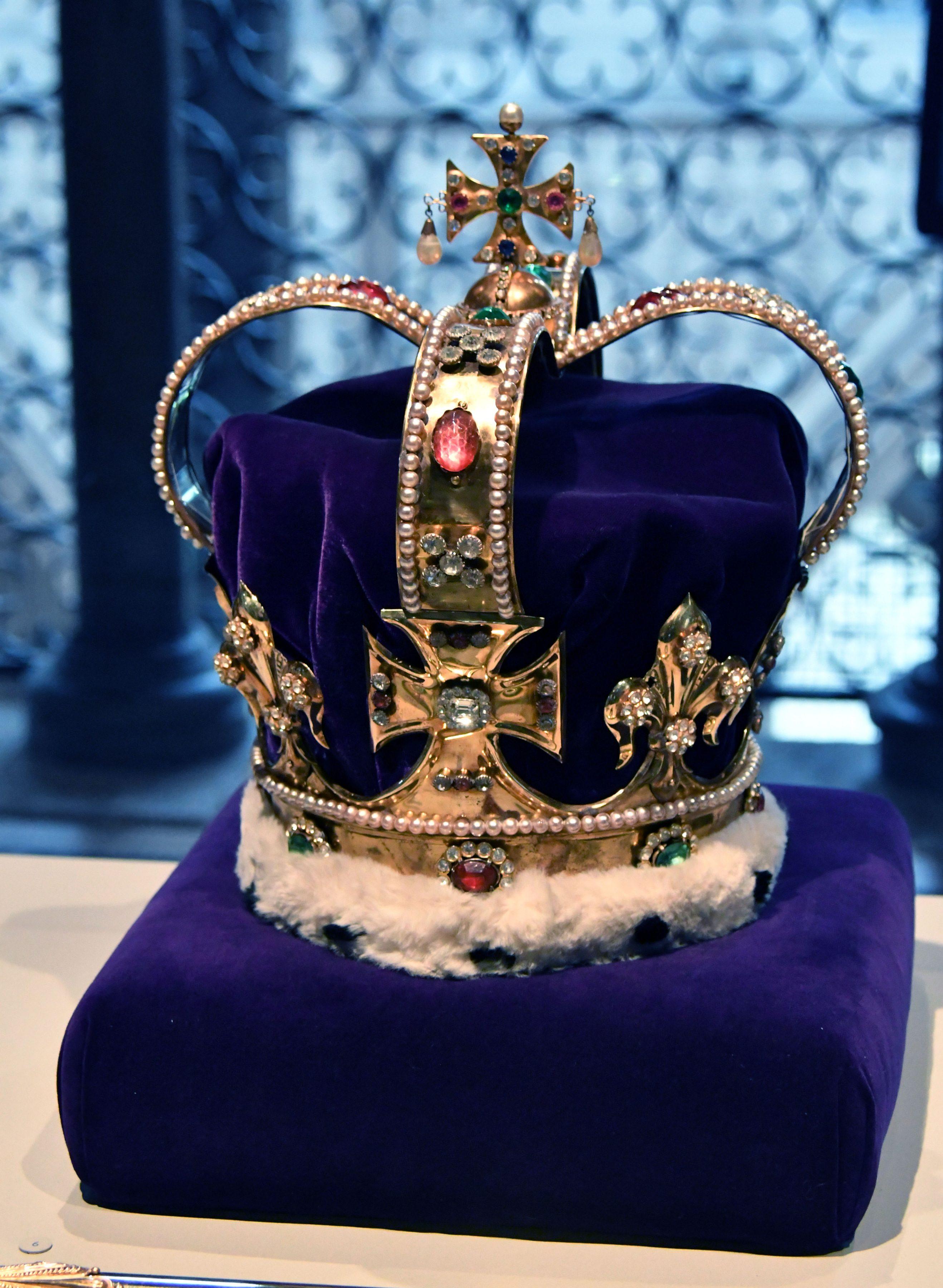 Queen Elizabeth II's diamond jubilee galleries