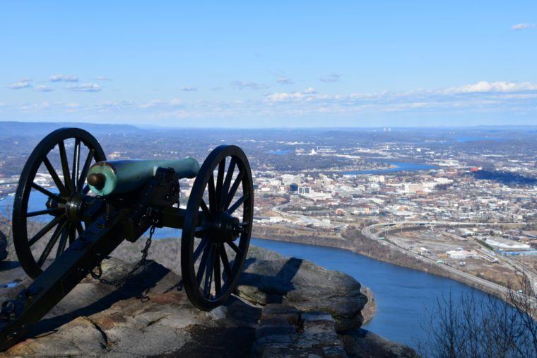 Canons over look Chattanooga and the Tennessee River / Valley on a winter evening in Point Park national Military Park