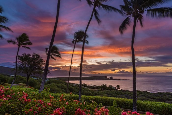 Sunrise over Menele Bay on the island of Lanai, Hawaii