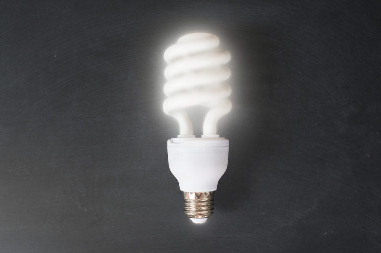 fluorescent energy saving light bulbs