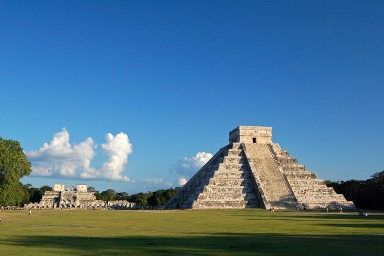 Temple of Kukulkan / Chichen Itza, Mexico