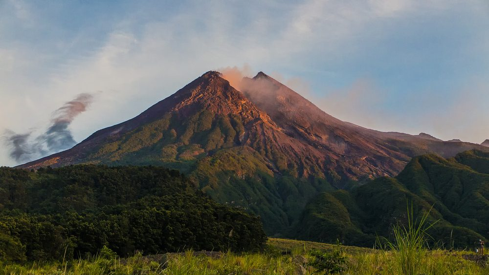 Active Volcanoes You Can Actually Visit | Reader's Digest